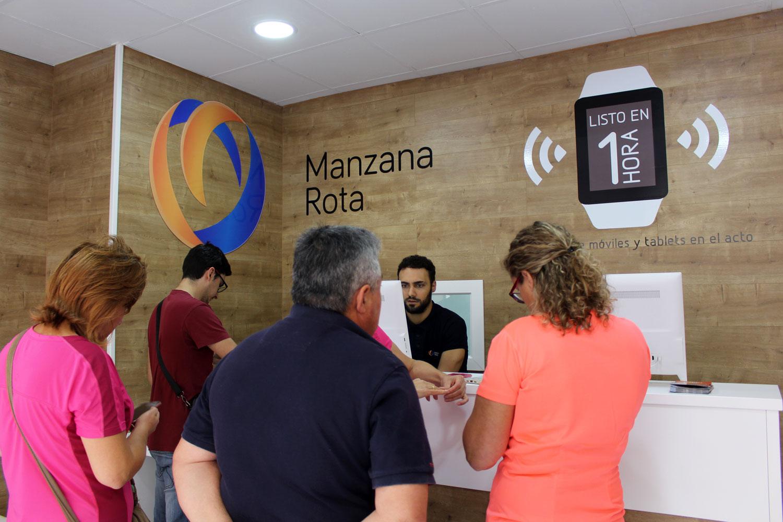 Atención al cliente - Puente Genil (Córdoba)