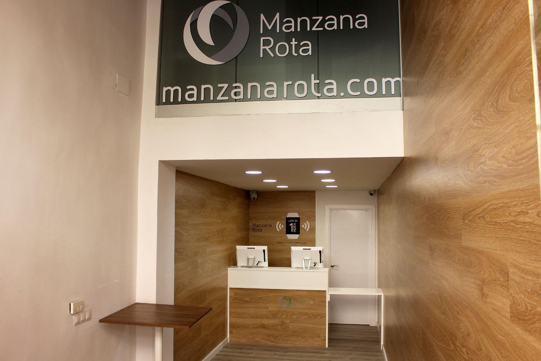 Tienda Manzana Rota - Granada, interior